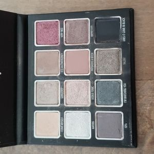 Kylie x Kris Jenner Momager Limited Edition Eyeshadow Palette